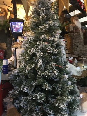 Christmas Trees Hinged With Snow, Pine Cones and Glitter (2.28m / 7.5')